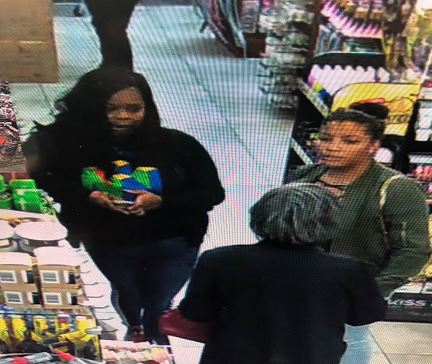 NOPD Searching for Subjects in Fifth District Shoplifting
